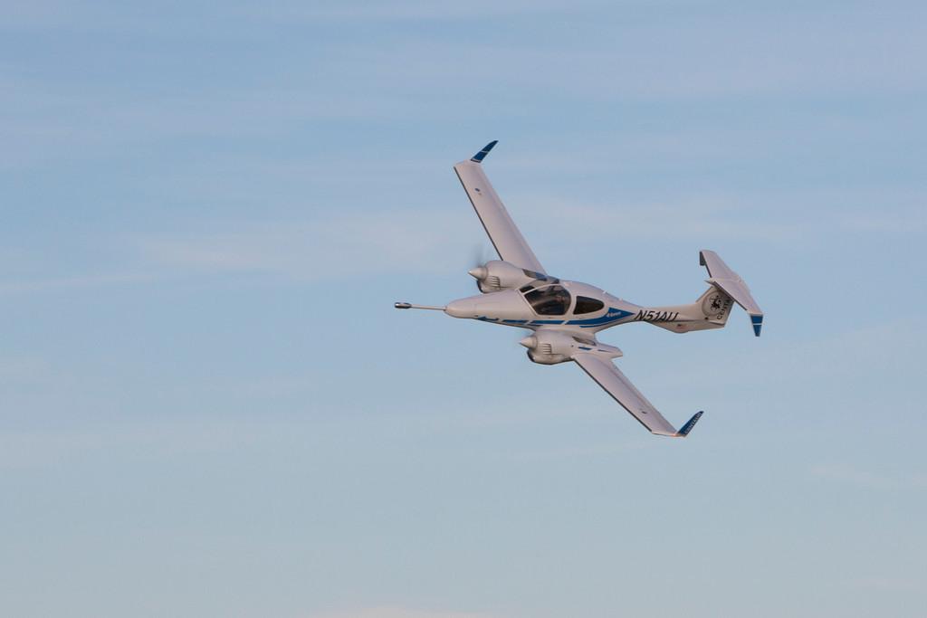 Diamond Aircraft DA-42 Twin Star with BAT probe