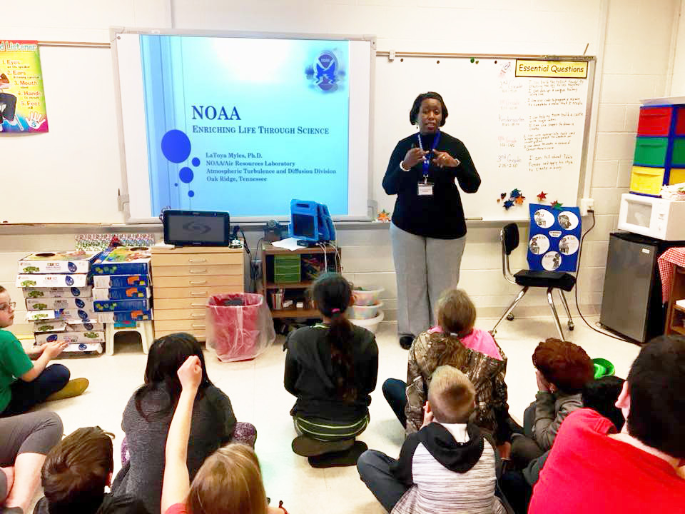LaToya Myles talks to kids about NOAA