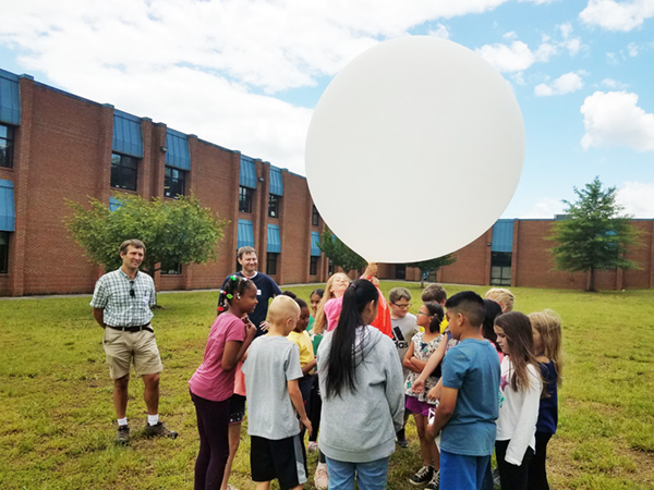 Students prepare for balloon launch